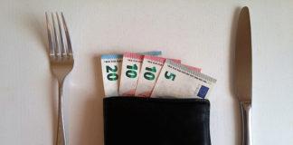 Konto oszczędnościowe czy lokata? Analizujemy wady i zalety obu rozwiązań