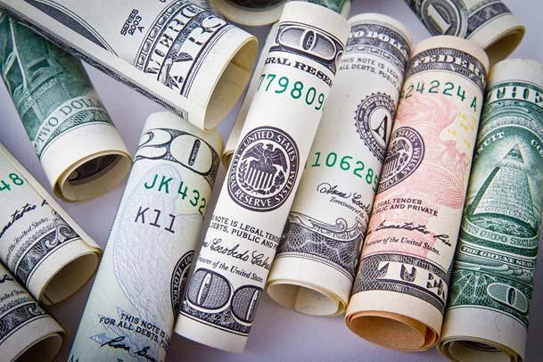 Dowiedz się, jak nie płacić za prowadzenie konta bankowego